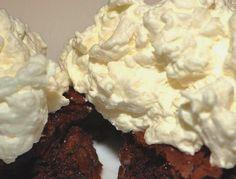 Crema de manteca con merengue - Preparación deliciosa que enriquece cualquier torta por más simple que sea.