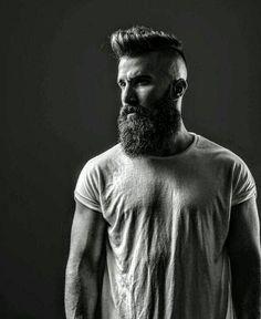 Its not simple to grow a beard, there's much more to know about it. You need to know these 20 Beard facts for sure to grow a beard with great ease. Beard Styles For Men, Hair And Beard Styles, Beard Rules, Epic Beard, Men Beard, Hipster Beard, Beard Model, Perfect Beard, Men Photoshoot