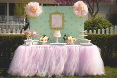 Falda tutú de color rosa pálido de la tabla
