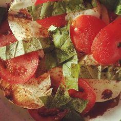 Almoço  #diet #reeducaçãoalimentar #reeducacaoalimentar #fitness #eatclean  #eattogrow #gettingfit #lowcarb #lowcarb #healthychoices #healthyfood #eathealthy #saudeemfoco #salad by diariodeumareeducacao