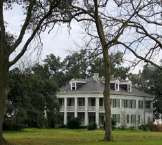 "I so want to live here...simply wonderful Felicity Plantation house in St James Parish, Louisiana. I do believe it was ""The Skeleton Key"" house?"