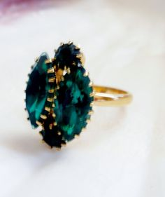 Oval Faux Emerald Ring  Size 7 by lilbooker on Etsy, $8.99