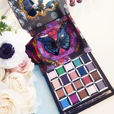 Here's What The Urban Decay Alice In Wonderland Eye Shadow Palette Actually Looks Like | The Zoe Report