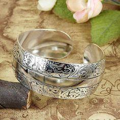 Women Tibetan Silver Carved pattern Cuff bangles Bohemian Vintage Bracelets 1pcs