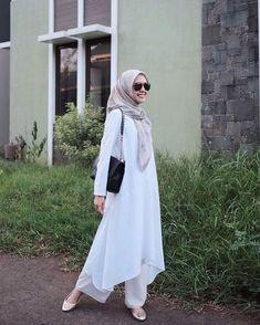 Modern Hijab Fashion, Street Hijab Fashion, Hijab Fashion Inspiration, Niqab, Style Hijab Simple, Muslimah Clothing, Model Rok, Casual Hijab Outfit, Mode Hijab