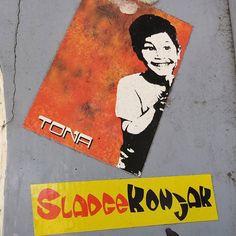 #hamburg #schanze #streetart #urbanart #wallart #stickerporn #stickerart #sticker #stickerlove #slap #vandalism #tona #sladgekonjak by renobehpunkt