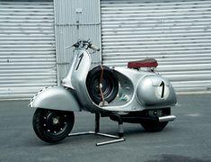 Custom Vespa racer. Like a two wheeled 550 Spyder Porsche