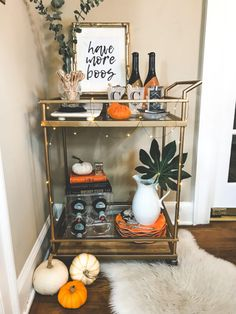 Halloween is a very special holiday. You can have an unusual day with scary decorations. In addition to the living room, the perfect place to design with the taste of Halloween is your bar. The…Read Halloween C, Halloween Home Decor, Fall Home Decor, Autumn Home, Halloween Printable, Halloween Decorations Apartment, Living Room Halloween Decor, Fall Decorations, Fall Apartment Decor