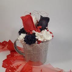 Mýdlová kytka s tajemstvím Mysterious soap bouquet Mysterious, Bouquet, Soap, Mugs, Tableware, Dinnerware, Bouquets, Tumbler, Dishes