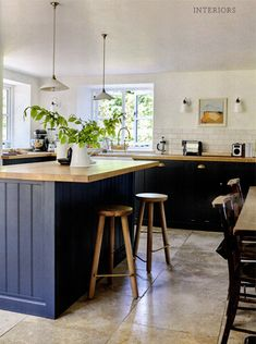 A lovely Pantry Blue Shaker kitchen has been featured in the November issue of Country Living!! This is great kitchen inspiration for any home.