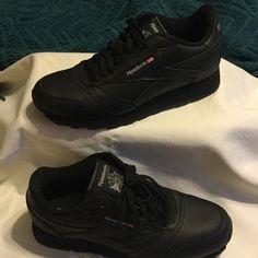 09a0ae8fb58 Reebok Shoes - Brand New Reebok Black classics size 6y or 8 women New Reebok