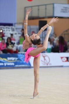 Dina/Arina Averina, Russia; Grand Prix, Holon 2014 #rhythmic_gymnastics