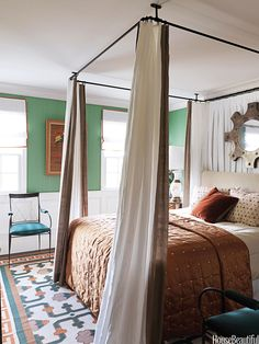 The color of the year: Eight rooms with emerald green