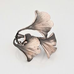 Gingko Napkin Rings Silver - By Michael Michaud for Table Art. Finished in antique silver over copper. Set of 4.