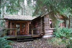 fantasy cabins | ... de Guest House Log Cottages : Another view of the log cabin - so cute