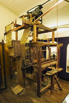 And I thought my loom was intense....Jacquard loom