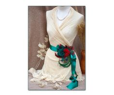 Bridal sash for Vintage Wedding // belt for the bride // burgundy red emerald green teal peacock blue // Bridesmaids accessories deep red Bridesmaid Accessories, Bridal Accessories, Fur Vintage, Wedding Belts, Teal, Turquoise, Blue Bridesmaids, Bridal Sash, Beaded Lace
