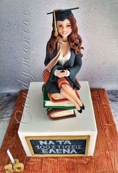 Cake Idea - Chelsi on stack of law books wearing pink blouse - add pink purse and can we get Bo laying next to her :) Beautiful Cakes, Amazing Cakes, Fondant People, Graduation Cake Toppers, Sculpted Cakes, Novelty Cakes, Elegant Cakes, Occasion Cakes, Fancy Cakes