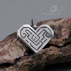 Dwarf heart pendant, Dwarven fantasy valentine gift jewellery by Melonarium | The Hobbit, Lord of the Rings, LOTR, Tolkien inspired jewelry | #Kili #Fili #Thorin #Tauriel