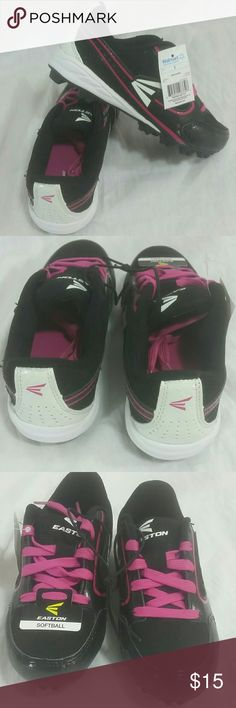 Easton Girls Softball / Soccer Cleats Size 1 New  No box Great condition  Softball or Soccer  Size 1 Easton Shoes