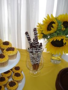 sunflower party Party Planning, Wedding Planning, Wedding Ideas, Sunflower Party, Garden Bridal Showers, Baby Dedication, Throw A Party, Sunflowers, Young Women