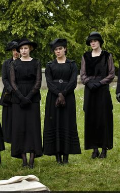 Edith, Sybil, and Mary attend Lavinia Swire's funeral, April 1919. Downton Abbey, costumes, black outfits, photo