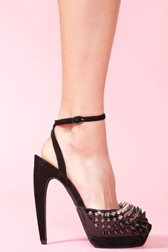 I'm currently obsessed with the idea of heels with spikes. This is just too beautiful. - Lancer Spike Pump from @NASTY GAL -G*