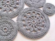 SLIDESHOW - RENATA NEKRASZ art @ design Crochet Rug Patterns, Crochet Rugs, Text Design, Knit Fashion, Crochet Earrings, Knitting, Handmade, Rug Ideas, Accessories