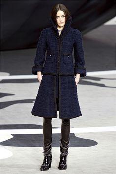 Sfilata Chanel Paris - Collezioni Autunno Inverno 2013-14 - Vogue