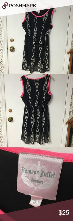 Romeo and Juliet Couture print dress, size L Romeo and Juliet Couture print dress, size L Romeo & Juliet Couture Dresses