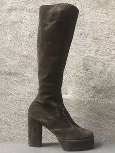 VTG Suede Leather Platforms Boots Brown Glam Rock Hippie go-go Boho 6 - Boots - Ideas of Boots - VTG Suede Leather Platforms Boots Brown Glam Rock Hippie go-go Boho 6 Price : Mid Calf Boots, Knee High Boots, Miu Miu Heels, Vintage Hippie, Boots For Sale, Glam Rock, Platform Boots, Casual Boots, Brown Boots