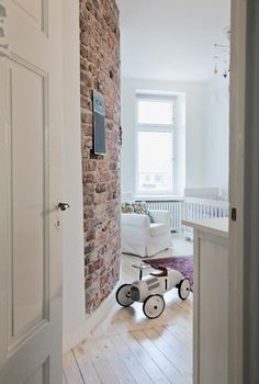 Rönsyille kyytiä   Koti ja keittiö Somewhere Over, Baby Family, Brick Wall, Pretty Little, Cool Kids, Beautiful Homes, Kids Room, Sweet Home, Colours
