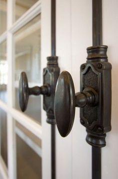 Modern Door Knob Designs Ideas For Traditional House 36 Cabinet Door Hardware, Kitchen Hardware, Kitchen Fixtures, Home Hardware, Door Knobs, Door Handles, Cremone Bolt, Vintage Industrial Decor, Diy Kitchen Decor