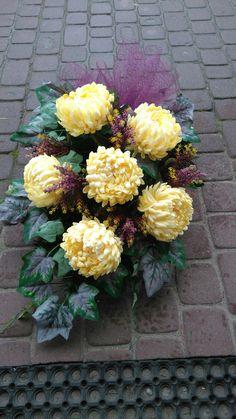 Grave Flowers, Funeral Flowers, Arte Floral, Fall Flowers, Topiary, Ikebana, Flower Art, Flower Arrangements, Decoupage