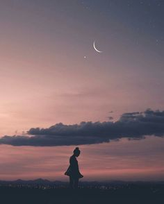 """""""moments stained in memories, feelings not forgotten. Tumblr Wallpaper, Girl Wallpaper, Howl At The Moon, Dark Photography, Belle Photo, Aesthetic Pictures, Cute Wallpapers, Aesthetic Wallpapers, Beautiful Pictures"""