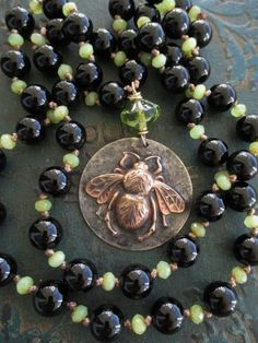 Hey, I found this really awesome Etsy listing at https://www.etsy.com/listing/256529455/sale-knotted-bee-necklace-queen-black