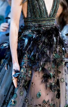 da2fd16ec4e6e8 Elie Saab Fall 2017 Haute Couture Collection Roupas Fashion