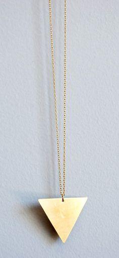 Collar triángulo  www.facebook.com/sybillebcn
