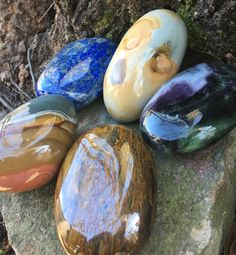 Gorgeous, hand-selected palm stones in the shop! www.etsy.com/shop/DFInspirations