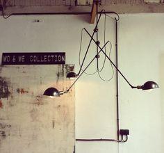 Wo et wé Vintage Industrial Lighting, Industrial Furniture, Industrial Style, Salon Furniture, Furniture Design, Le Piano, Conkers, Blue Bottle, Wall Fixtures
