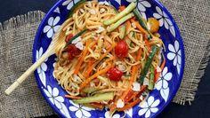 """750g vous propose la recette """"One Pot Pasta"""" 100% fiable, testée et approuvée par les internautes et chefs de 750g !"""