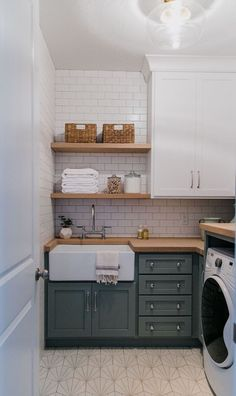 Have a dull laundry room? Farmhouse laundry room ideas to provide your space a lovely makeover. Consider this farmhouse laundry room ideas to makeover your own laundry room! Discover a laundry room farmhouse ideas and also motivation style here. Laundry Room Cabinets, Laundry Room Organization, Basement Laundry, Diy Cabinets, Laundry Shelves, Bathroom Shelves, Kitchen Shelves, Laundry Room Makeovers, Laundry Room Floors