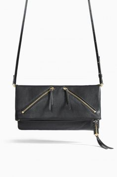 Our Covet Waverly bag in black leather can be worn in four different ways // Clutch // Leather // Fall Fashion // Women's Fashion // Handbag Goals // Mom Style // Crossbody // Black Handbag // Fall Must Have
