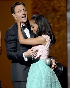 """LOS ANGELES, CA – FEBRUARY Actor Tony Goldwyn (L) presents actress Kerry Washington with Outstanding Actress in a Drama Series award for """"Scandal"""" onstage during the NAACP Image Awards at The Shrine Auditorium on February 2013 in. Tony Goldwyn, Pretty People, Beautiful People, Afro, Olivia And Fitz, Olivia Pope, Kerry Washington, Interracial Couples, Scandal Abc"""