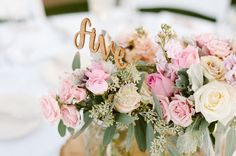Las bodas románticas han sido y serán las clásicas por excelencia, no importa el paso de los años, los colores empolvados, las rosas y el b...
