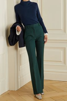 Navy Pants Outfit, Blue Sweater Outfit, Turtleneck Outfit, Cashmere Turtleneck, Sweater Outfits, Navy Blue Outfits, How To Wear Turtleneck, Turtleneck Fashion, Trouser Outfits
