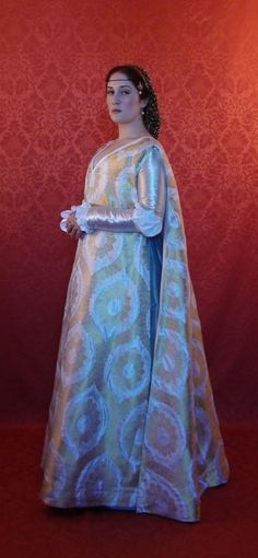 medieval italian hanging sleeves - Google Search