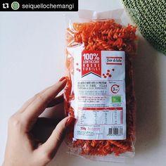 #Repost @seiquellochemangi with @repostapp  Ecco i fusilli fatti al 100% di lenticchie rosse che ho usato per pranzo di oggi. Davvero un prodotto buonissimo e che riacquisto periodicamente . Li avete mai provati? @fiordiloto1972 #fiordiloto #cibosano #biologico #bio #mangiaresano #alimentazionesana #lenticchierosse #lenticchie #pastadilenticchie #healthy #seiquellochemangi #sano #spesabio #spesa #vegan