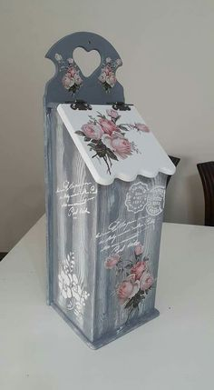 Decoupage Vintage, Decoupage Box, Shabby Vintage, Wooden Boxes, Painting On Wood, Kansas, Decorative Boxes, Diy And Crafts, Projects To Try