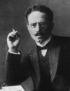 """1914: """"¡El enemigo principal esta en casa!"""" Karl Liebknecht · · · · ·"""